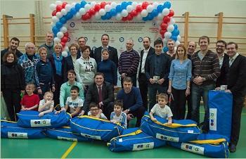 Гольф-инвентарь для занятий получили школы 5 регионов России